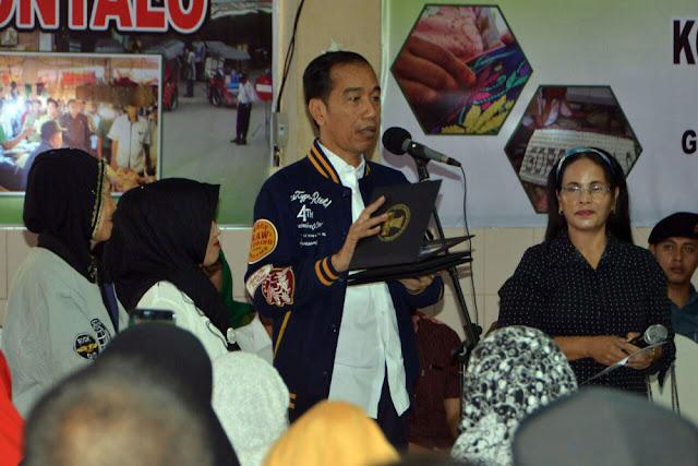 Konstitusi Jamin Hak Pendidikan, Program Kartu Pintar Jokowi Dipertanyakan