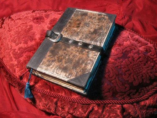 Sự thật về nguồn gốc cuốn sách thần bí Necronomicon