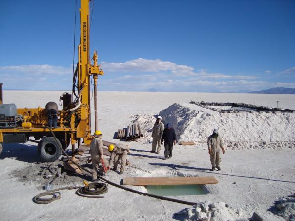 Gobierno instaló dos plantas piloto de tratamiento de cloruro de potasio y carbonato de litio