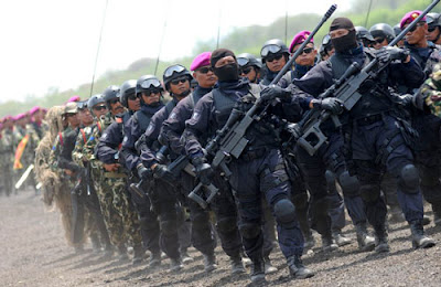 barisan-pasukan-denjaka-detasemen-jala-mangkara-terbaik-indonesia-tahun-2016