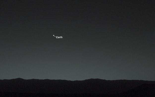 كوكب-الأرض-من-سطح-المريخ