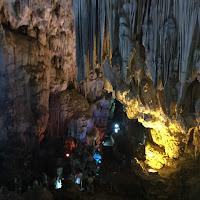 ハロンベイの鍾乳洞