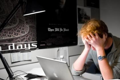 10 Cara Mengatasi Laptop Ngehang Berdasarkan Penyebabnya