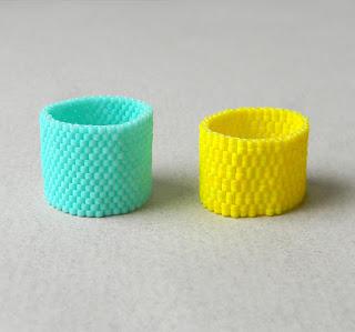 купить Два ярких летних кольца из бисера. Желтое и бирюзовое фото
