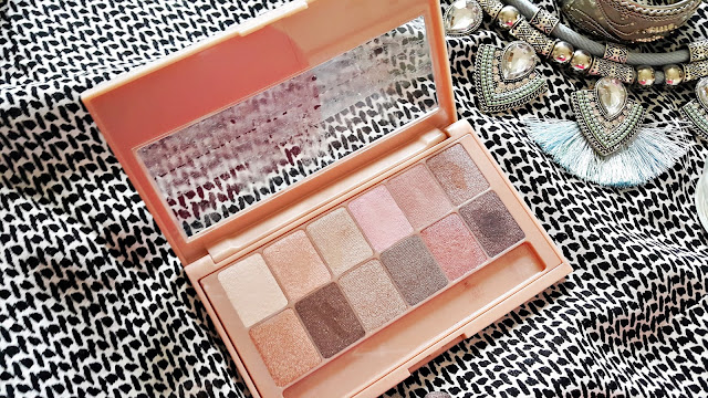 Maybelline the Blushed Nudes Far Paleti