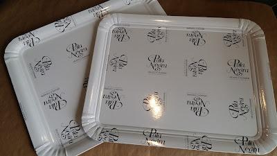 bandejas y platos impresos