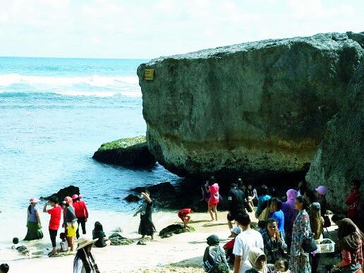 Foto Keindahan Pantai-pantai Di Yogyakarta