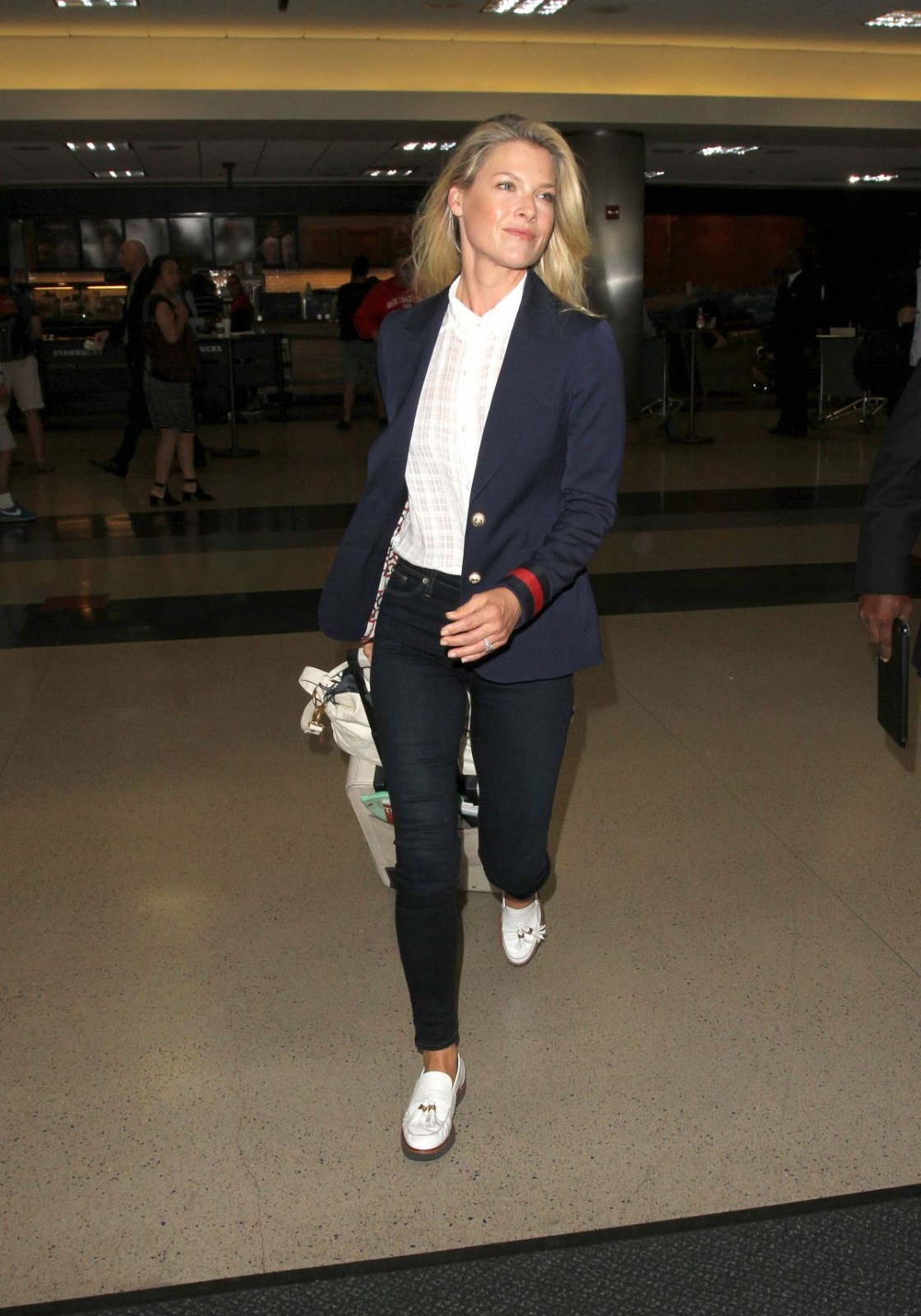 Ali Larter At Lax Airport In Los Angeles