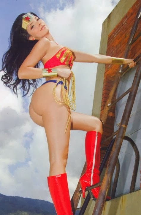 Big Culo Day 2014: Wonder Woman Cosplay