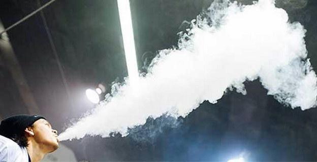 Ασφαλές το ηλεκτρονικό τσιγάρο και για τους παθητικούς καπνιστές