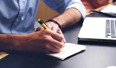 Suka menulis merupakan awal yang baik membangun blog sukses
