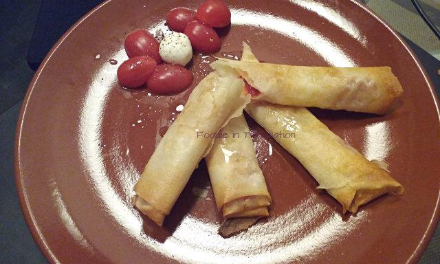 Sigari di brick con pomodori datterini e mozzarelline - Brik pastry cigars with datterino tomato and mozzarella ciliegine