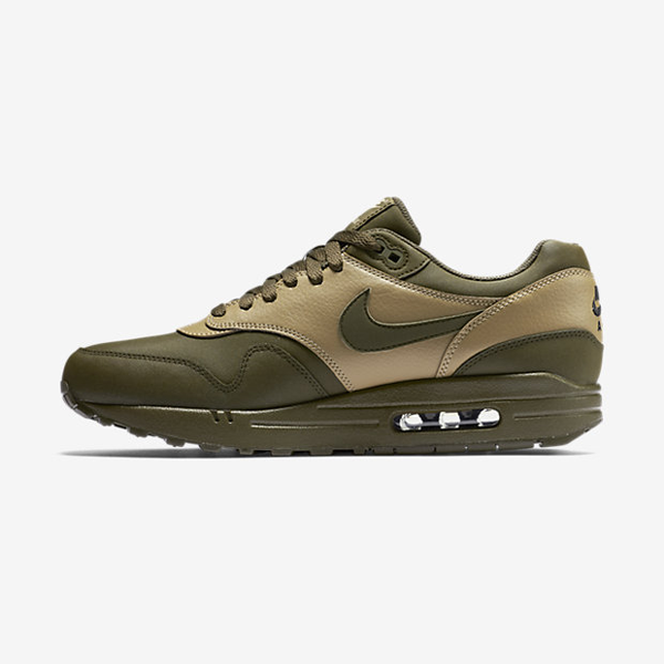 f4cb7935b0 New Nike in Store 11.21.15. Nike Air Max ...