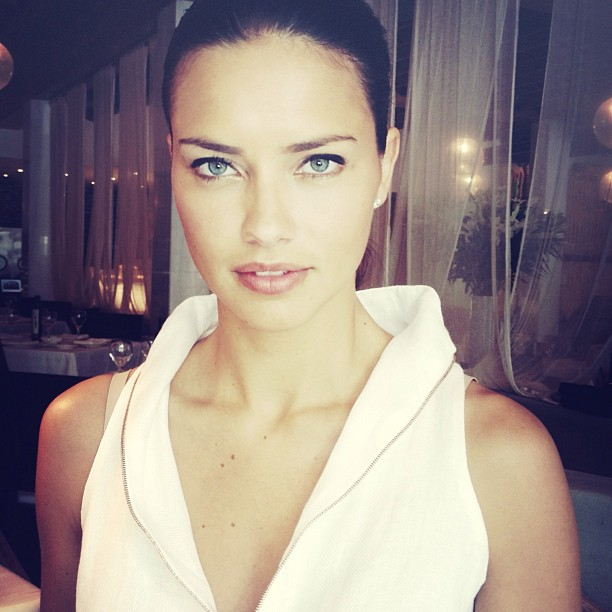 Adriana Lima Hot Photos on Instagram