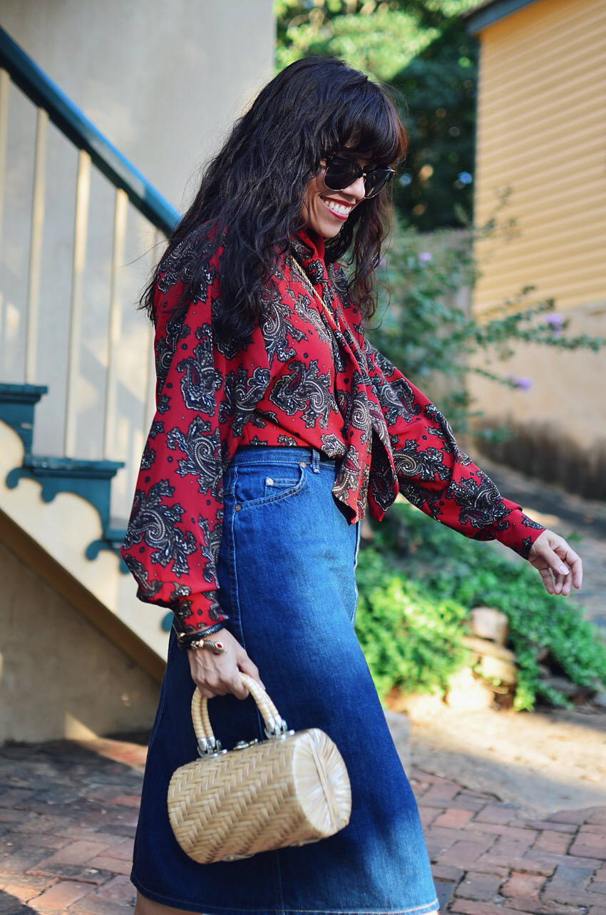 Outfit with paisley print