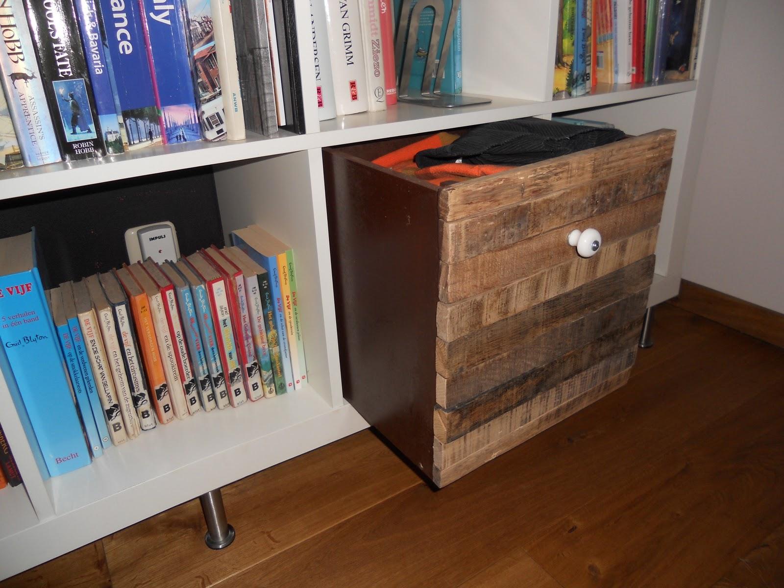 expedit boekenkast. Black Bedroom Furniture Sets. Home Design Ideas