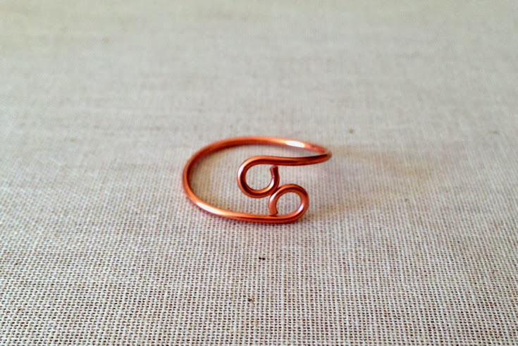 Make a wire loop infinity ring: Step by Step Tutorial at Lisa Yang's Jewelry Blog