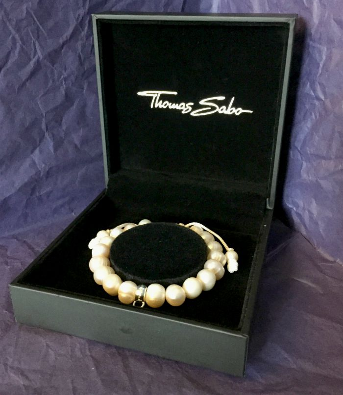 Thomas Sabo Charm Club Freshwater Pearl Bracelet Review | Morgan's Milieu: A pearl bracelet, available from House of Fraser.