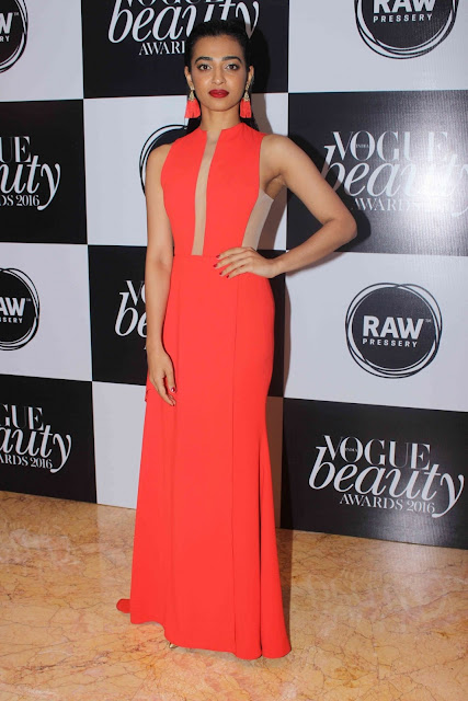 Radhika Apte Photos at Vogue beauty awards 2016