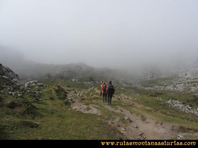 Mirador de Ordiales y Cotalba: Del Refugio de Vegarredonda a Pan de Carmen