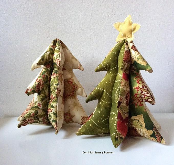 Con hilos, lanas y botones: DIY Árbol de navidad de tela