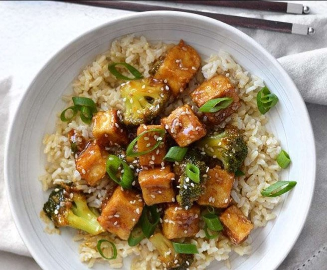Pan Fried Sesame Tofu with Broccoli #sidedish #vegetarian