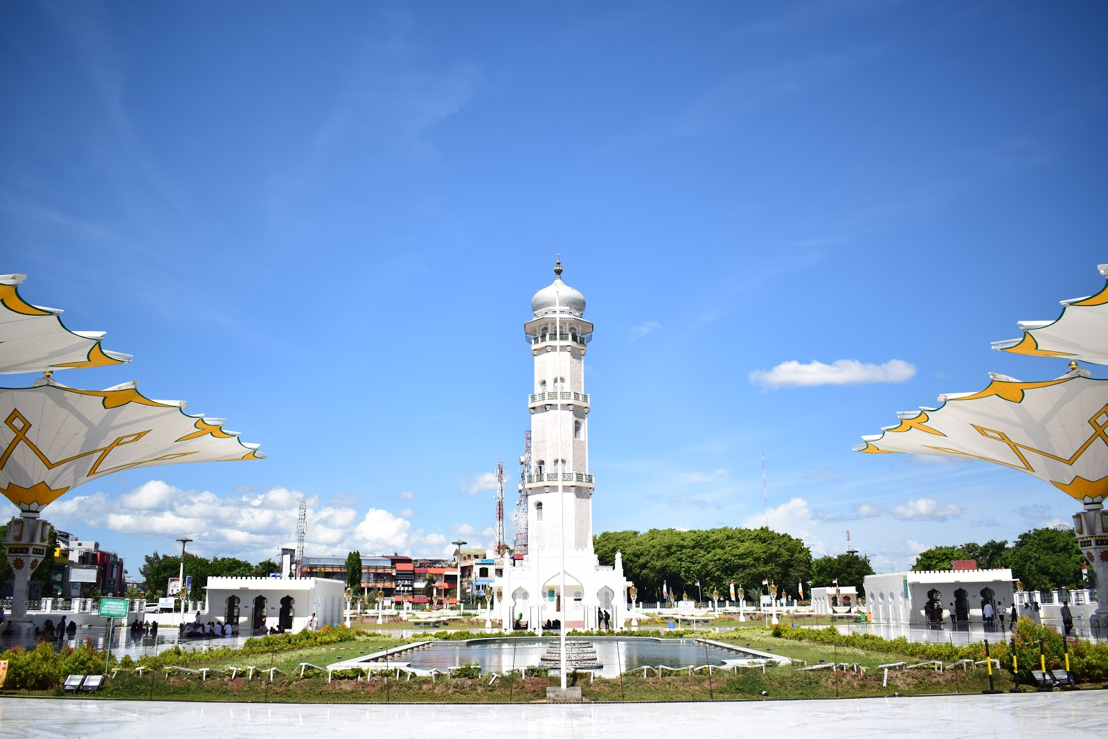 menara masjid baiturrahman