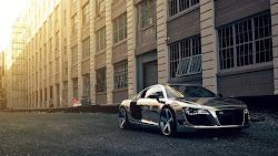 Super Car: Audi R8 Chrome Creative Commons