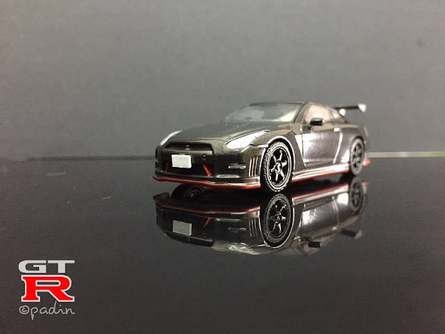 nissan gtr nismo diecast frontview