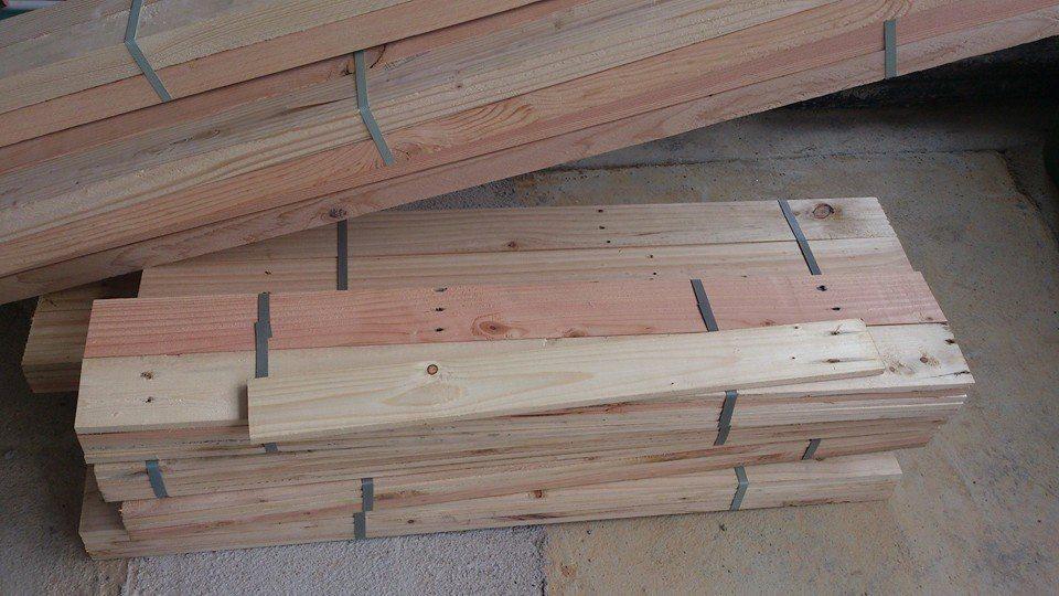 Kami Membekal Kayu Pallet Pine Dan Harga Setiap Adalah Berdasarkan Saiz Keadaan Sama Ada Sudah Tam Atau Belum