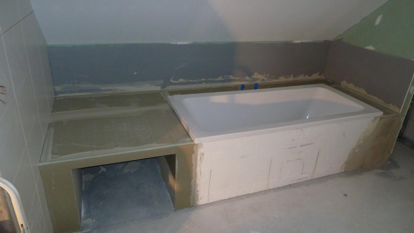 badewanne mit fliesen verkleiden badezimmer mit fliesen in einer holzoptik v andb subway 2. Black Bedroom Furniture Sets. Home Design Ideas