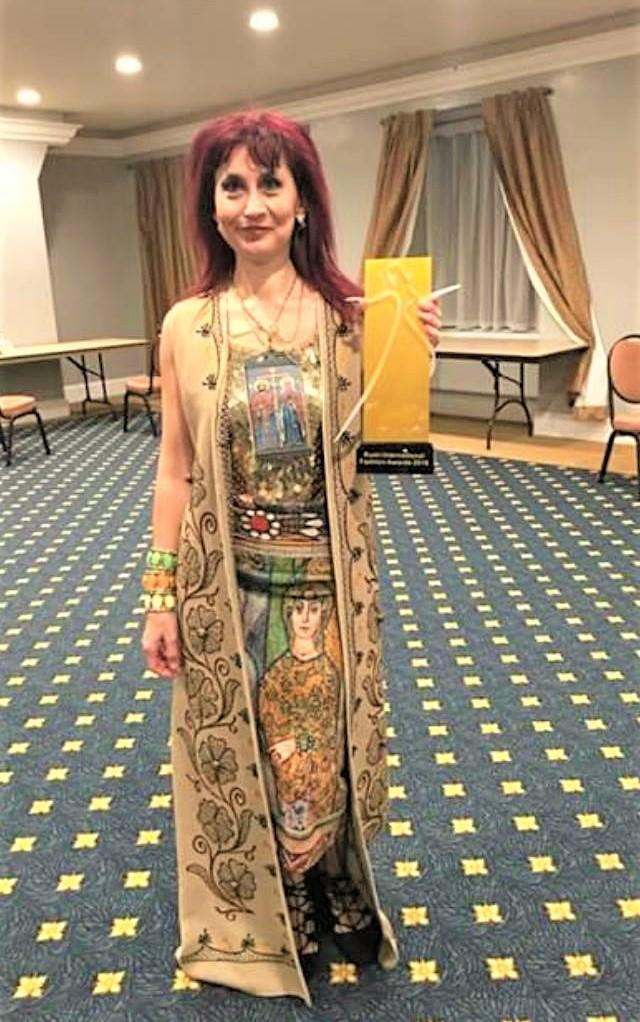 """Дизайнерката Диана Чолакова грабна наградата """"Most Creative Fashion Design"""""""