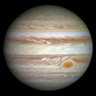 Sao Mộc là hành tinh lớn nhất trong hệ Mặt Trời. Ảnh chụp bởi kính thiên văn Hubble. Nguồn: Wikipedia.