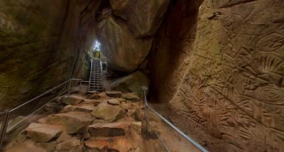 Edakkal Caves, Wayanad - www.sanchari.org