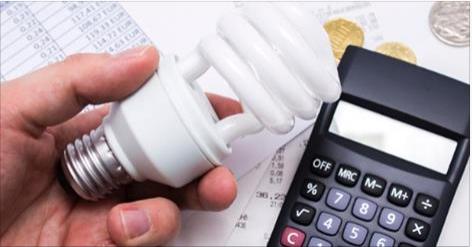 Conta de luz deixará de ter cobrança extra a partir de abril, diz ministro