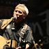 Chord Ujung Aspal Pondok Gede - Iwan Fals Kunci Gitar Dasar Mudah dan Lirik Lagu