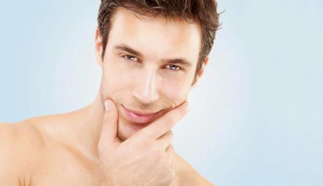 12 Cara Simpel Untuk Memutihkan Wajah Pria Satu Minggu