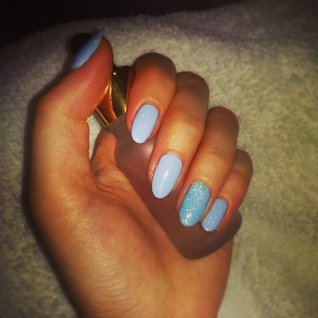 laker, lakier do paznokci, lakier hybrydowy, semilac, stylizacja paznokci, zdobienie, paznokci, niebieski, lazure dream, 000