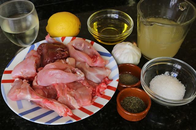 Ingredientes para conejo al ajillo en salsa