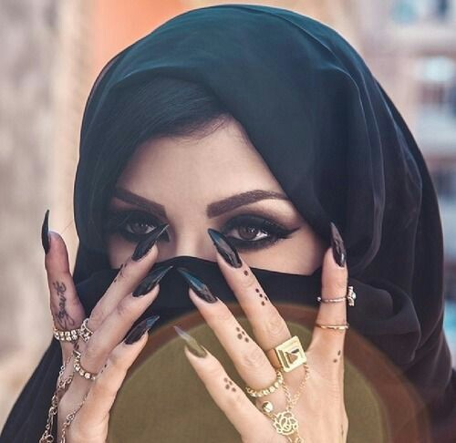Arab nail art