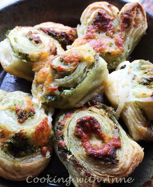 Pesto Cheese Rolls