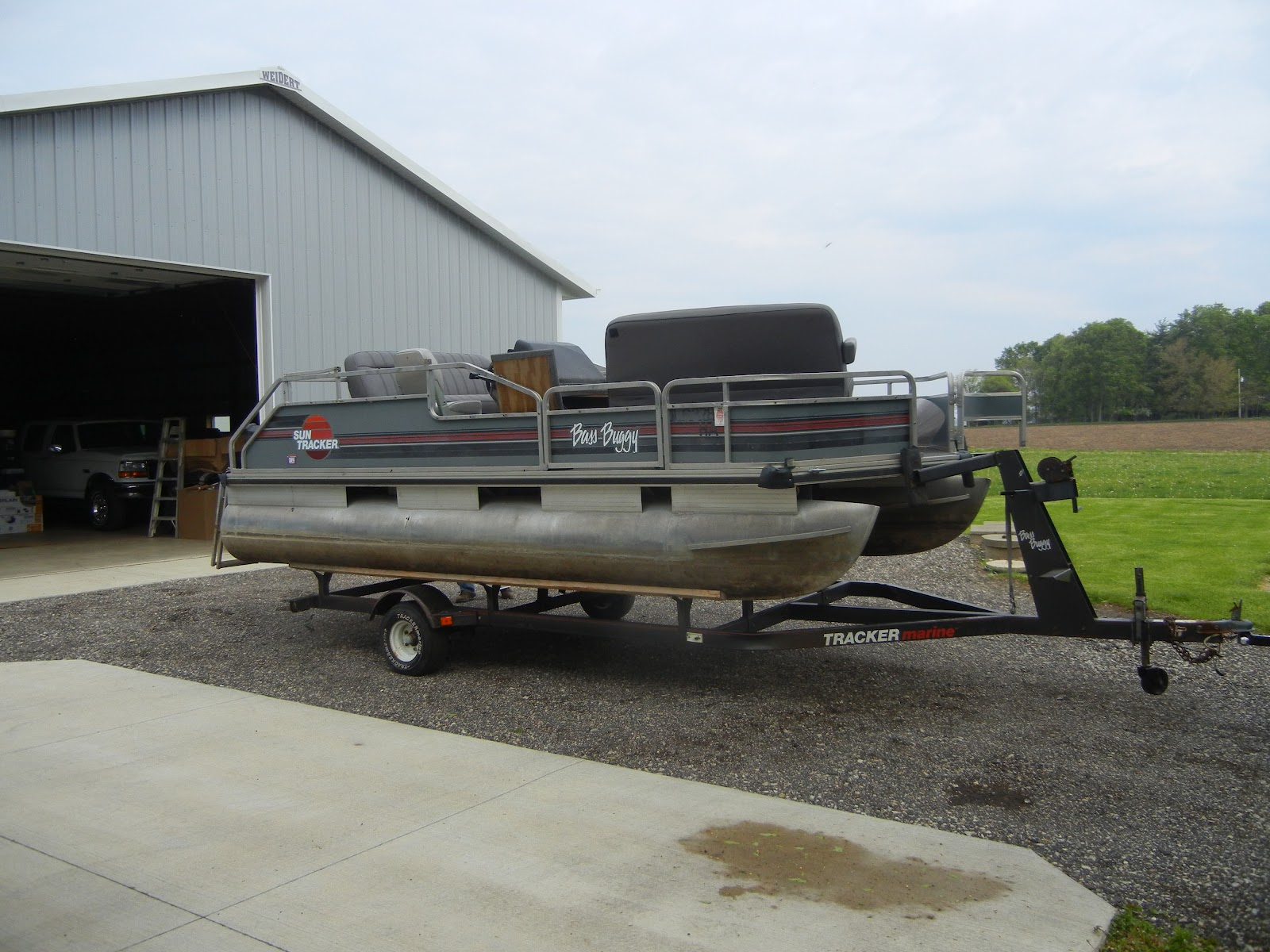clint and i bought a used pontoon boat this week a bit of a fixer upper she floats and she runs but she needs a little elbow grease and rewiring at the  [ 1600 x 1200 Pixel ]