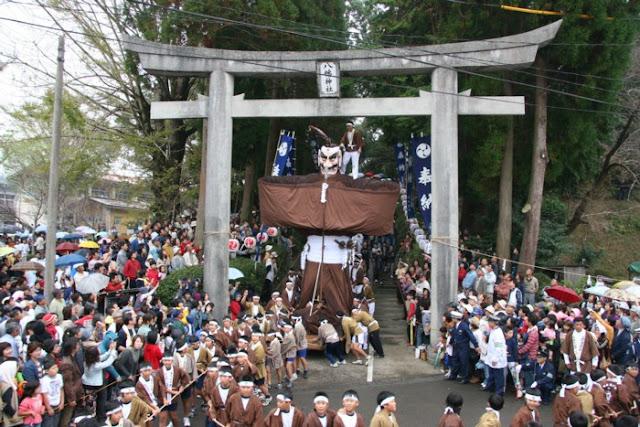 Yagoro-don Matsuri (autumn festival), Soo City, Kagoshima Pref.