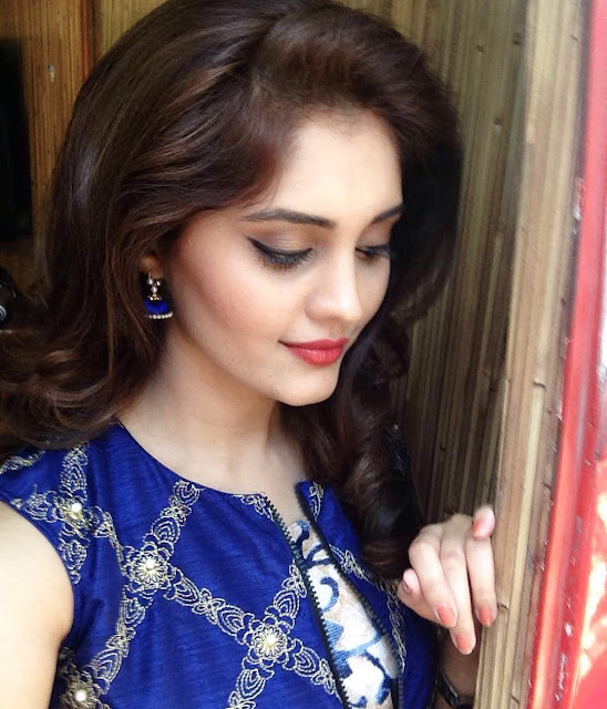 Stylish-Surabhi-HD-Wallpapers | HD Images