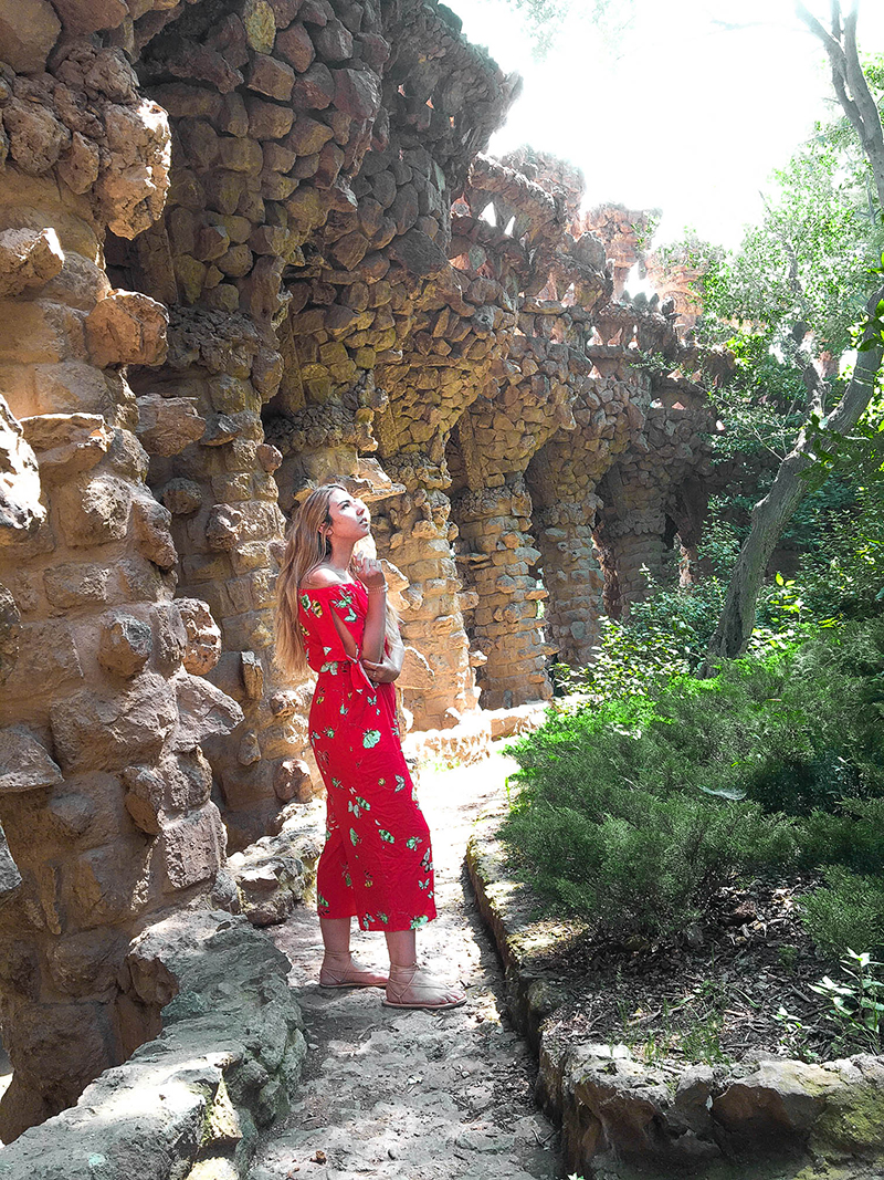 park guell, travel influencer, spain sight seeing