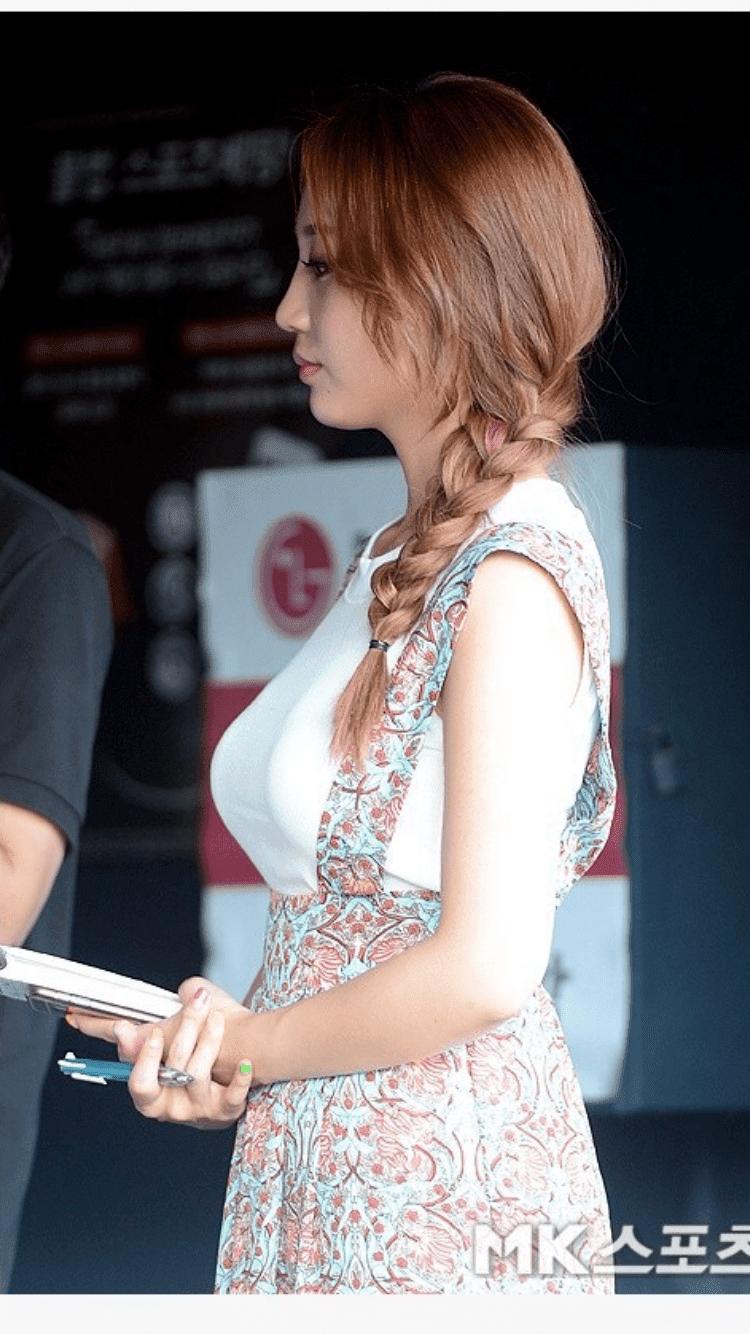 [연예] 맥심 박신영 아나운서 레전드 의상 -  와이드섬