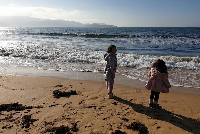 Mis nenas en la playa