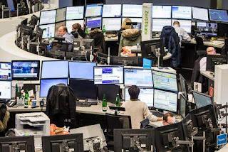 Wall Street scivola sulle tensioni per una guerra commercial