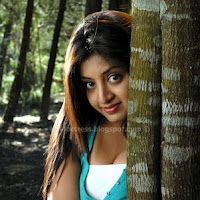 Hot poonam kaur latest hot pics