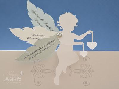 Detaliu plic bani pentru botez cu ingeras decupat 3D cu 3 aripi mobile pe care este scris un text de multumire